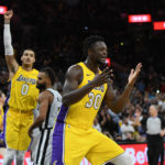 Los Angeles Lakers, Running down the Stretch