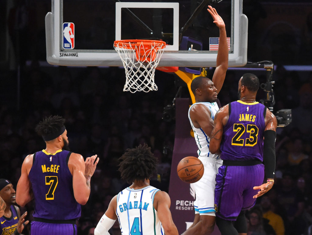 lakers-hornets-game-preview-lebron-james