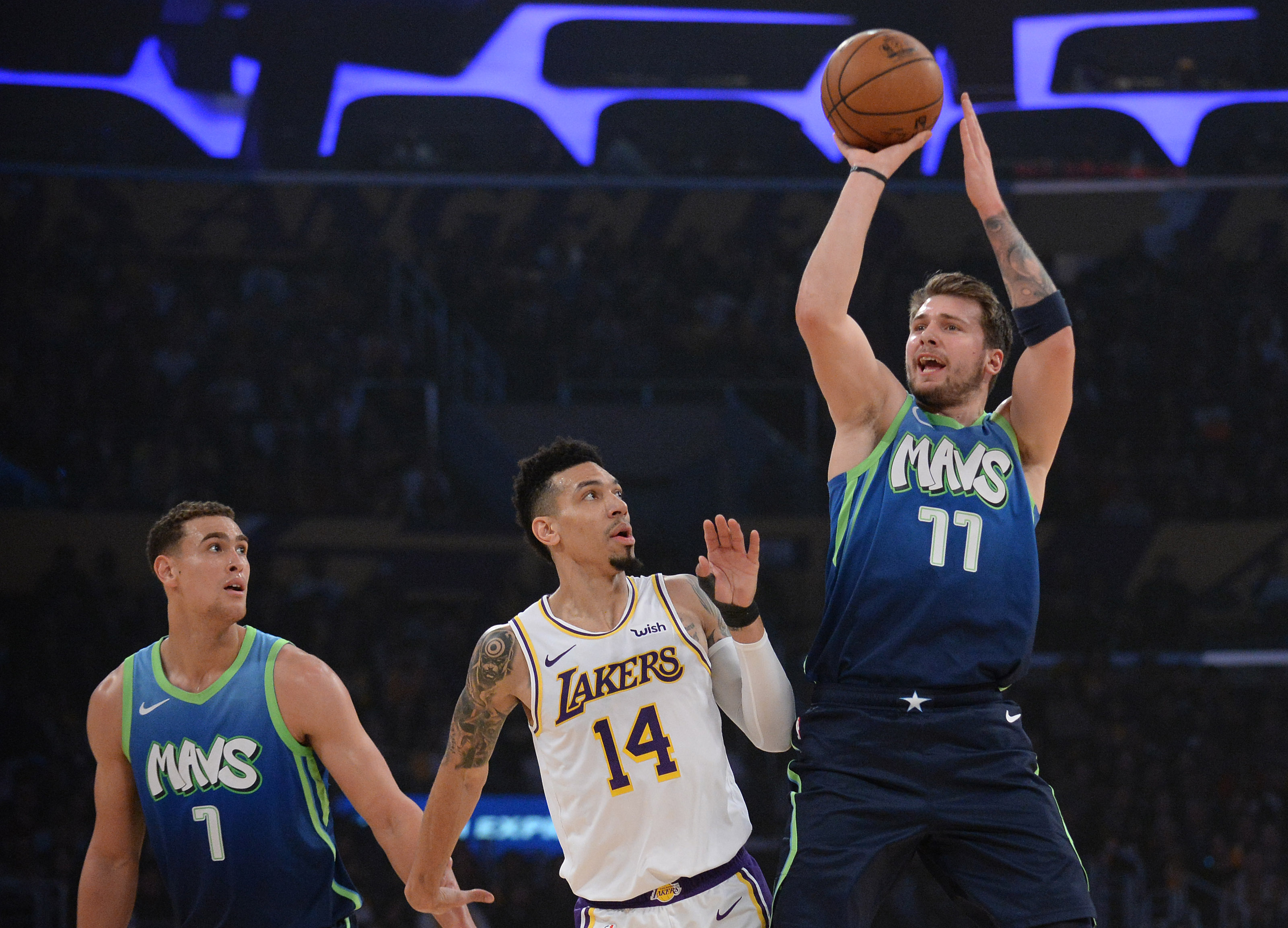 Post Game Thoughts Lakers Vs Mavericks Forum Blue And Gold