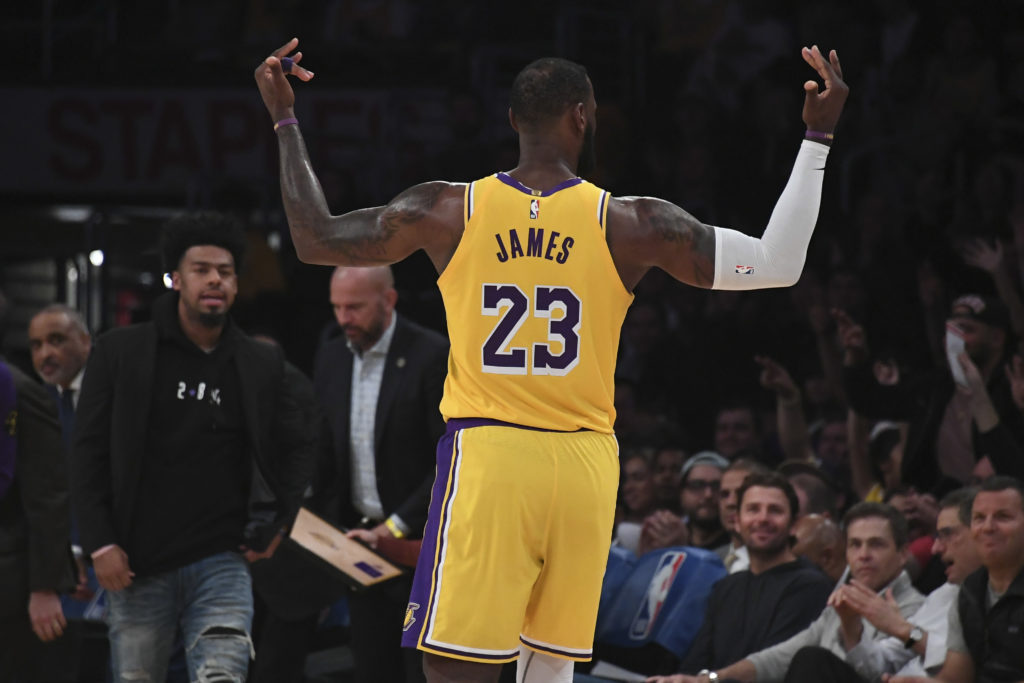lakers pelicans lebron james