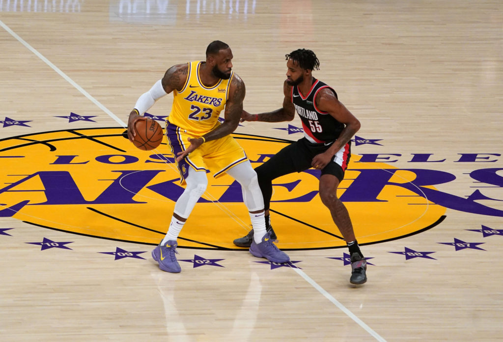 lakers trailblazers lebron james