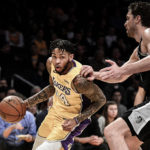 Lakers Upset Spurs, Win Third Straight