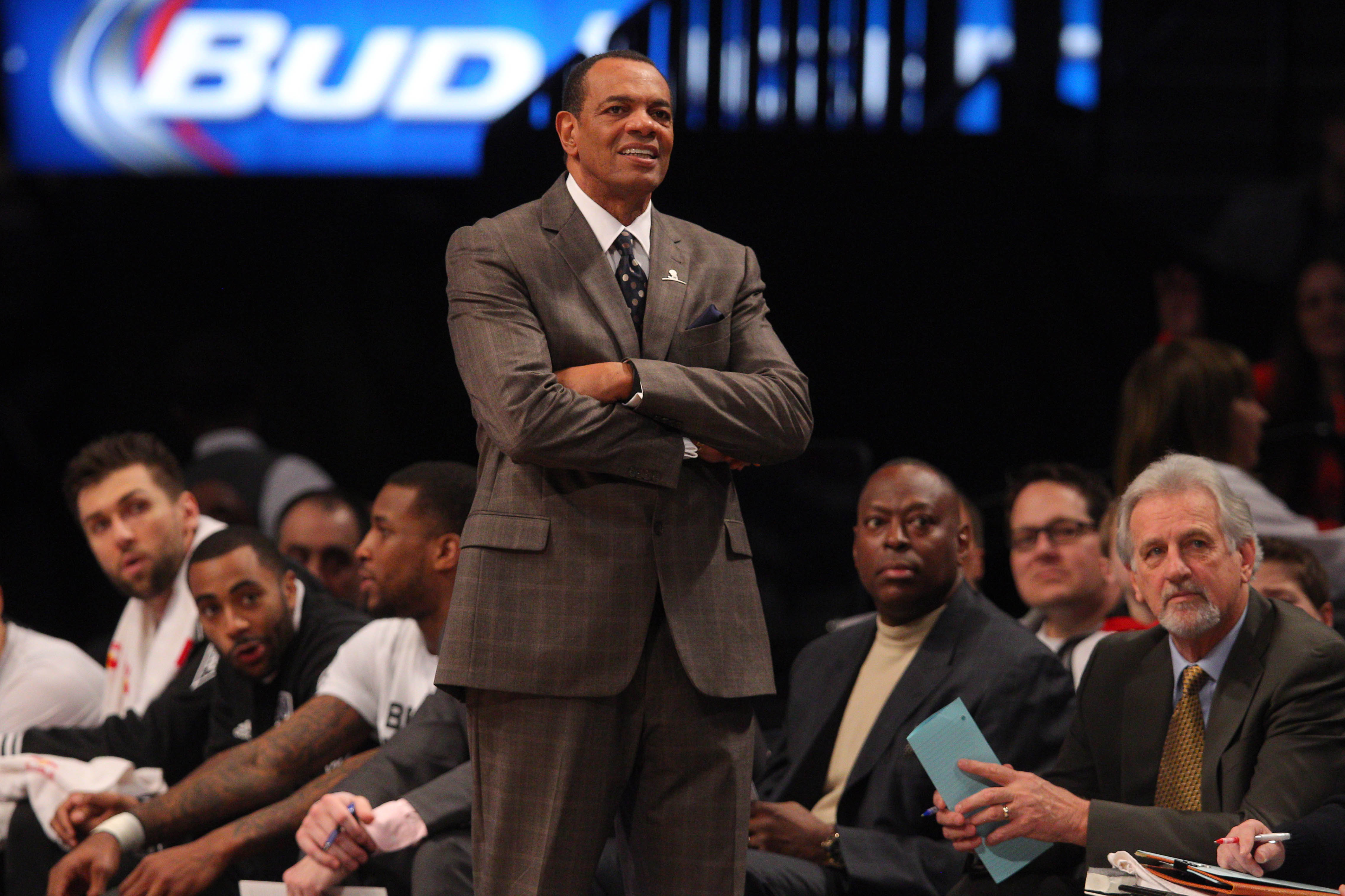 Lakers to Hire Lionel Hollins as Assistant Coach